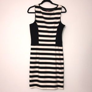 Vince Camuto Striped, Sleeveless Dresses (Size 10)
